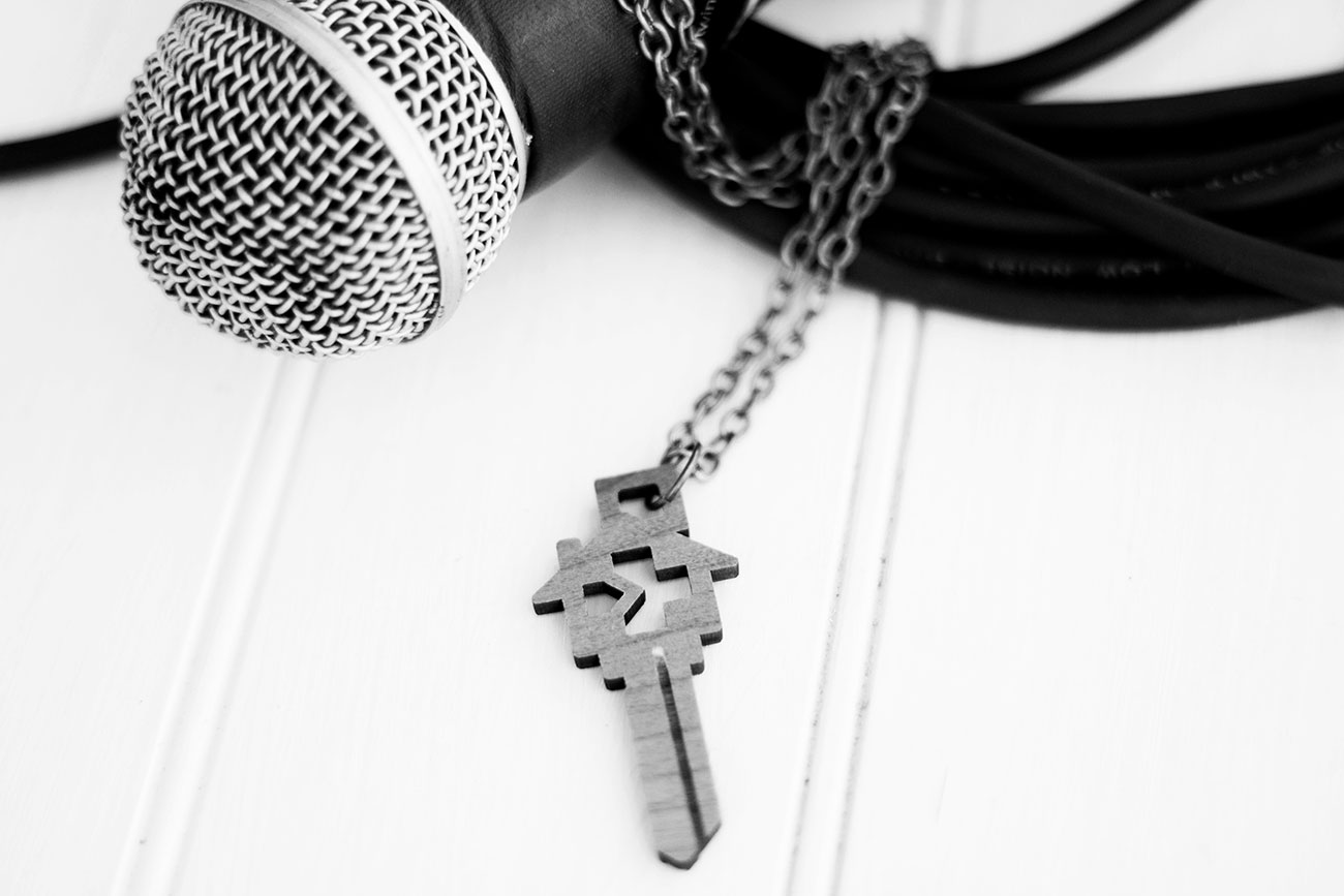 key-necklace-4-bw